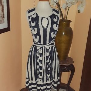 Maeve Anthro blue print Sennebec stretch dress M